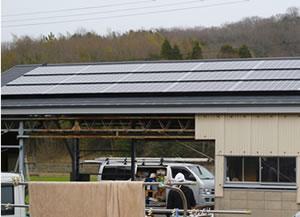 農耕用小屋に太陽光発電を施行