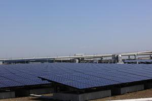 アパートやマンションの屋根に太陽光発電システムを施行